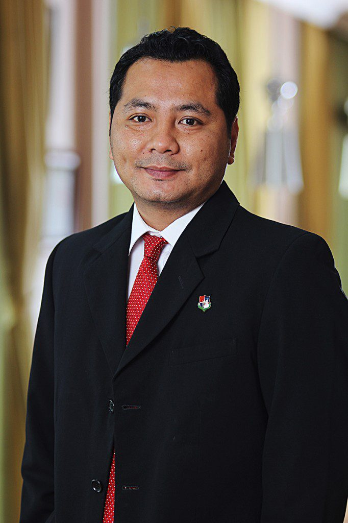 Dr. Andre Ikhsano